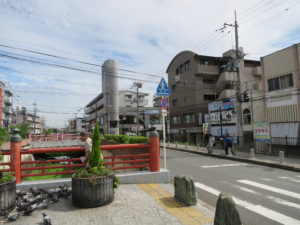 野崎参道方面
