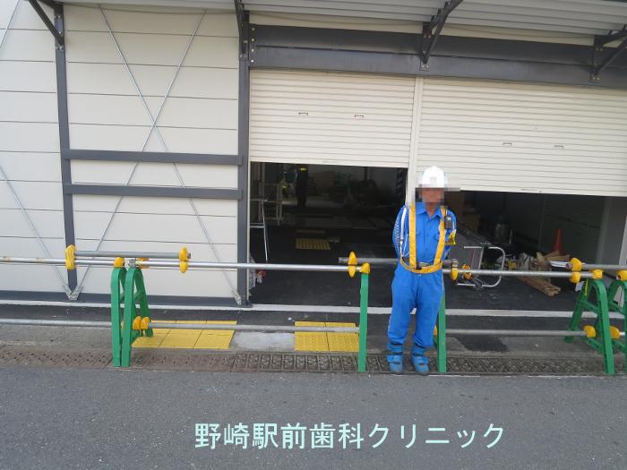 野崎駅仮駅舎入り口